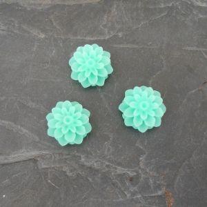 Kabošon kytička 15mm - zelená mentolová - 2 ks