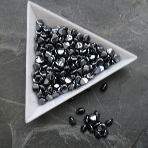 Mačkané korálky pohanka 5mm - černé hematitové