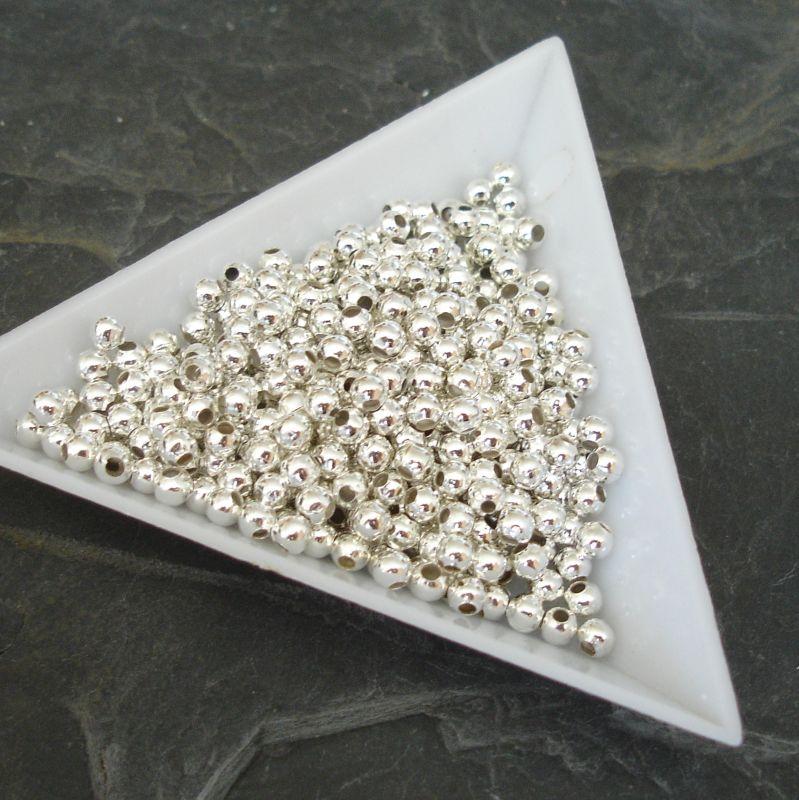 Kovový korálek 3mm - stříbrný - 100 ks
