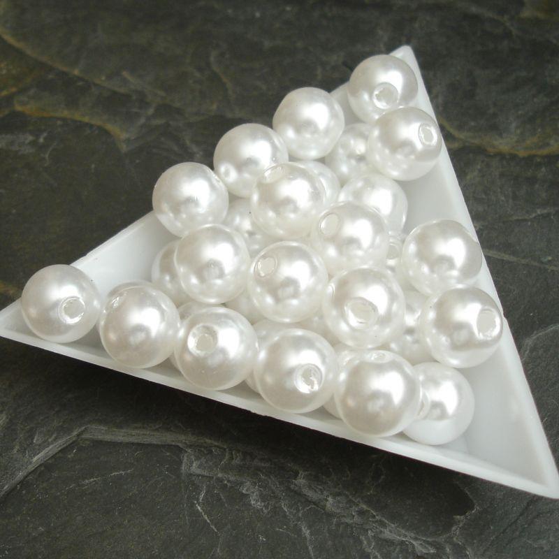 Plastové ( imitace perel ) korálky cca 10 mm - bílé