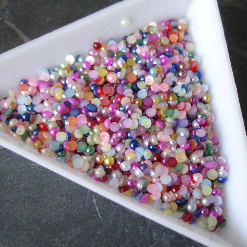 Plastové půlperle cca 2mm - mix - 100 ks