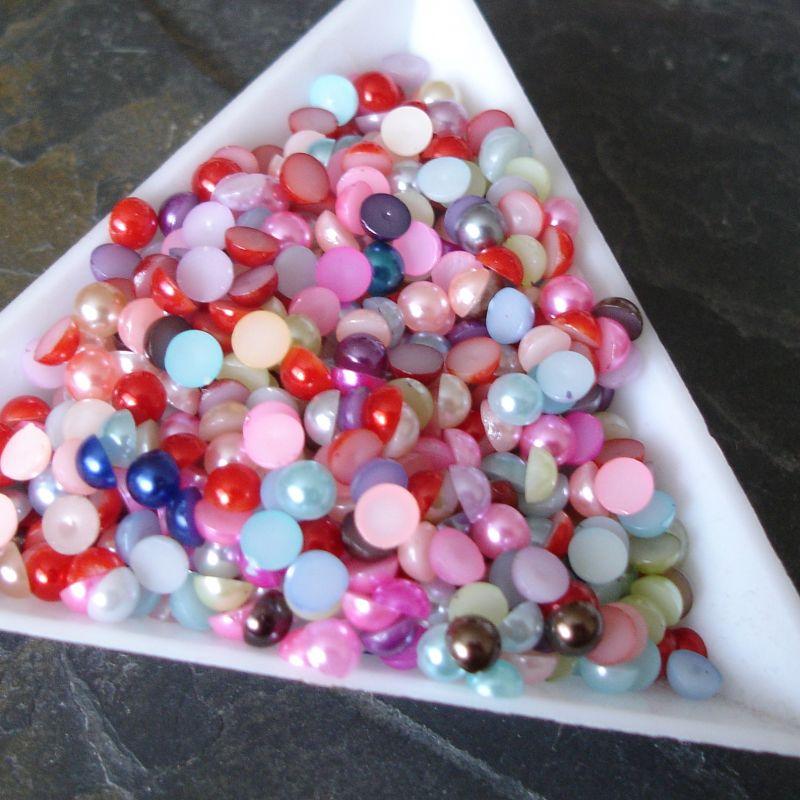 Plastové půlperle cca 4mm - mix I. - 100 ks