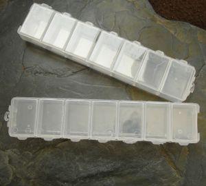 Plastový box jednořadý cca 15x3cm - 7 přihrádek - 1 ks