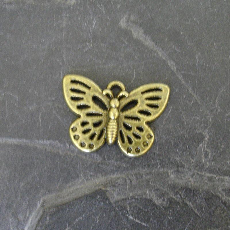 Přívěsek motýlek 25x17mm - starobronzový - 1 ks
