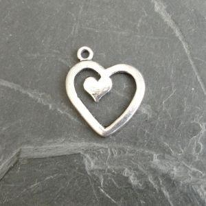 Přívěsek srdce 17x20mm - starostříbrné