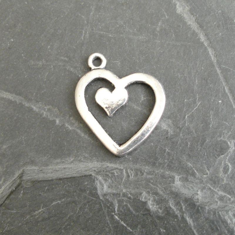 Přívěsek srdíčko v srdci cca 17x20mm - starostříbrné