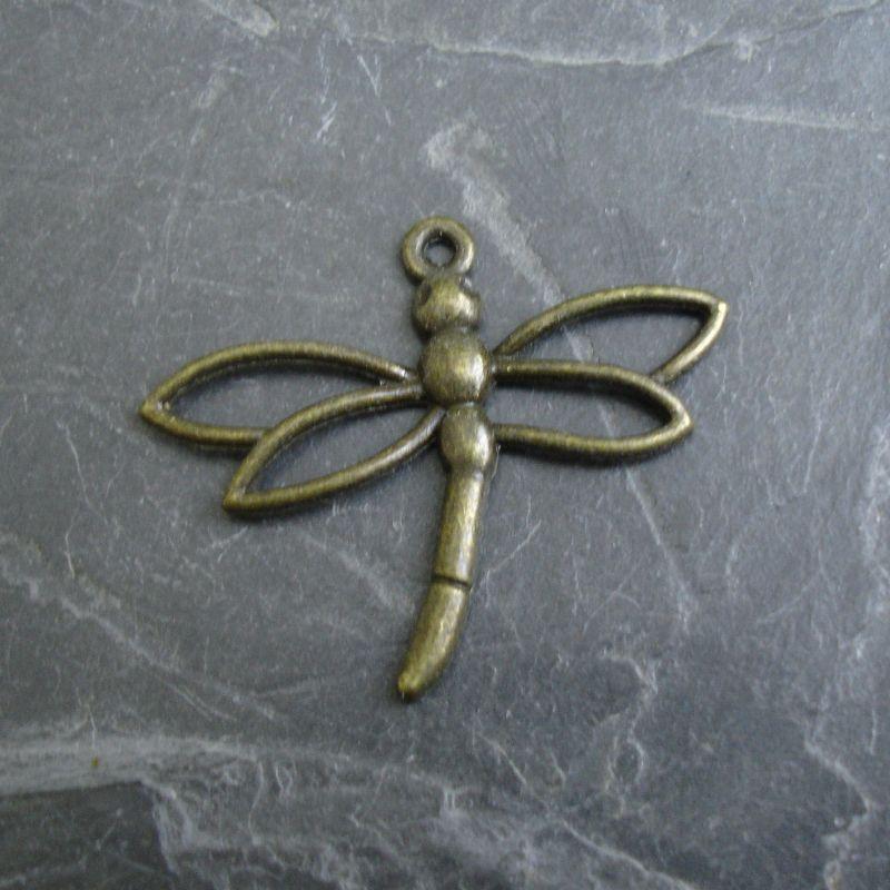 Přívěsek vážka cca 32x27 mm - starobronzová
