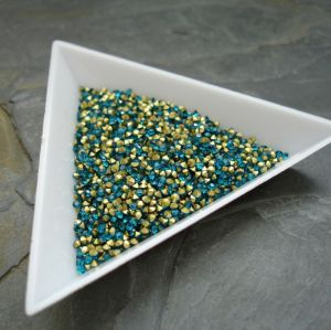 Skleněné šatony cca 1,6 - 1,7 mm - modrozelené - 50 ks