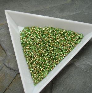 Skleněné šatony cca 1,6 - 1,7 mm - sv. zelené - 50 ks