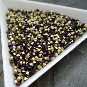 Skleněné šatony cca 2,4 - 2,5 mm - tm. fialové - 50 ks