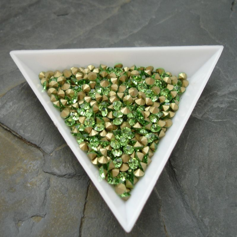 Šatony cca 3,2 - 3,3 mm - sv. zelené - 50 ks