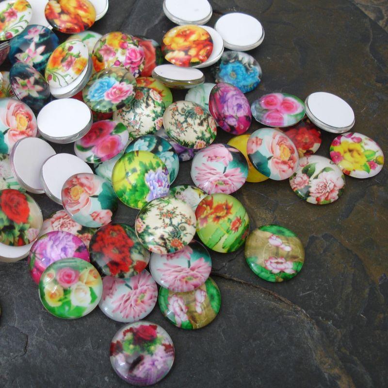 Skleněné kulaté kabošony cca 14mm s motivem květů - mix - 10 ks