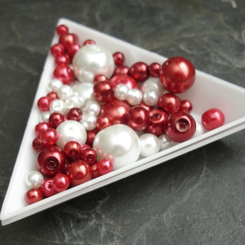 Skleněné voskované kuličky - mix batev a velikostí - červený - 30 g