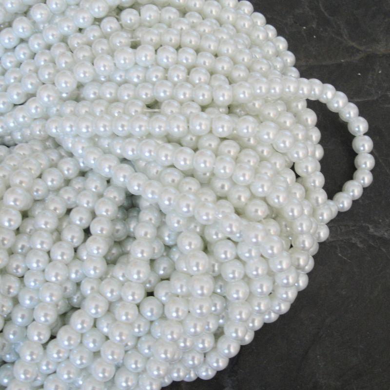 Voskované kuličky cca 6mm - bílé