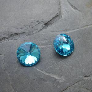 Skleněný broušený kamínek 12mm - azurový