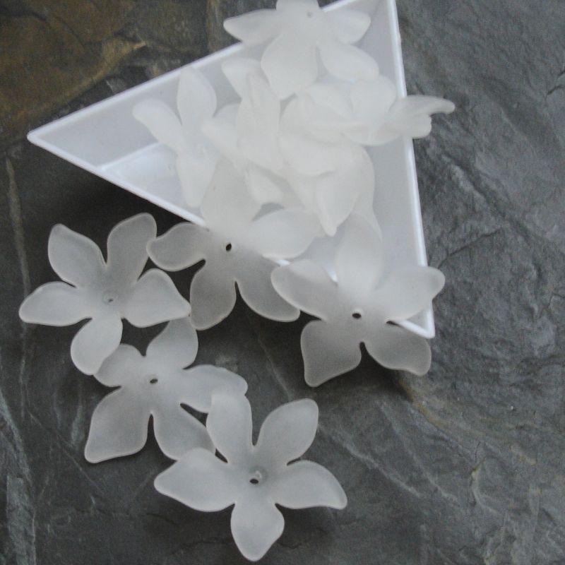 Akrylové kvítky 29mm - bílý
