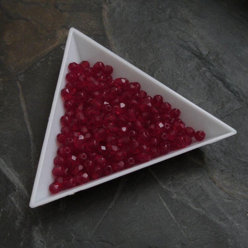 Broušené korálky 4mm - červené - 20 ks