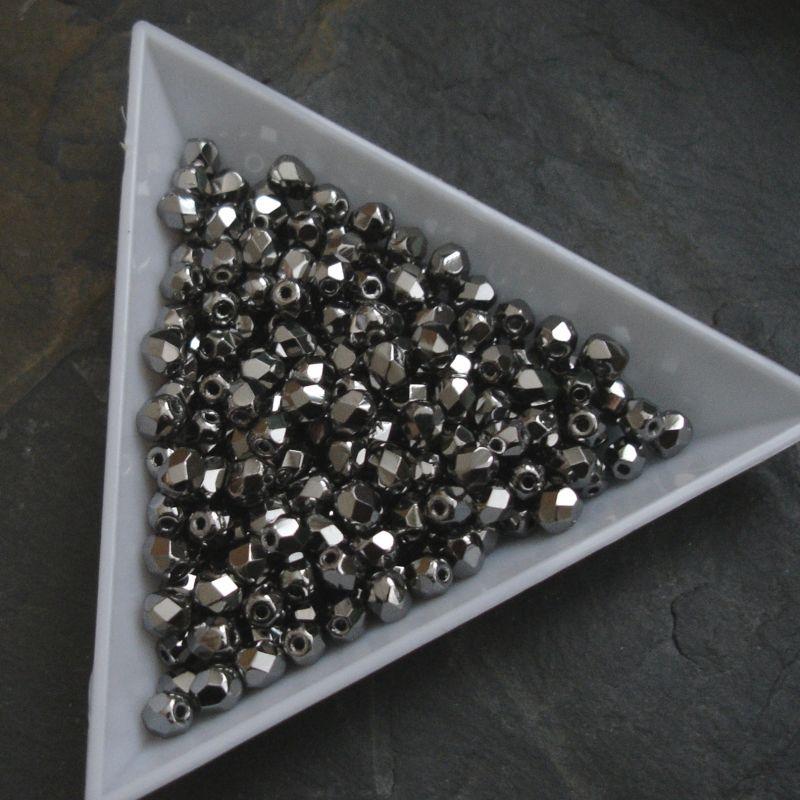Broušené korálky 4mm - stříbrné - 20 ks
