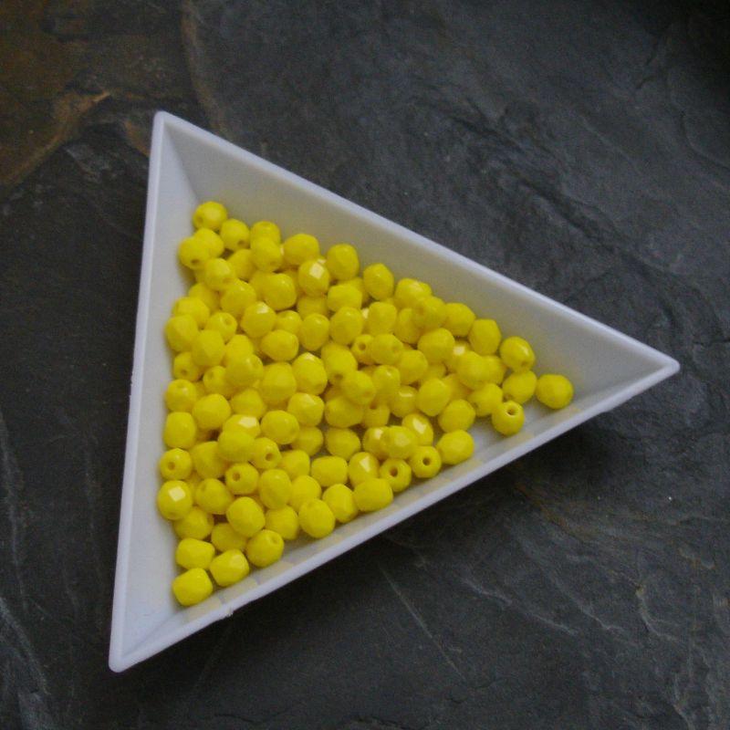 Broušené korálky 4mm - žluté - 20 ks