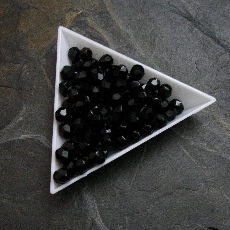 Broušené korálky 6mm - černé - 10 ks