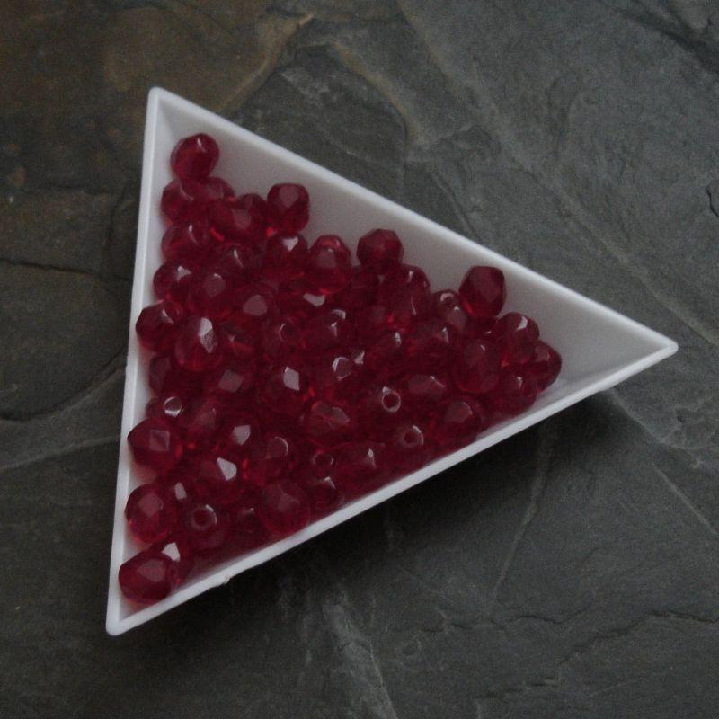 Broušené korálky 6mm - červené - 10 ks