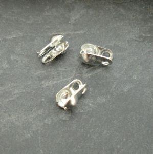 Kalotka 4x2mm s očky - platinová - 50 ks