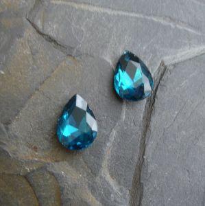 Skleněný broušený kamínek 10x14mm - modrozelený