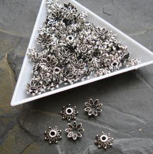 Kaplík kytička 9 mm - starostříbrný - 10 ks