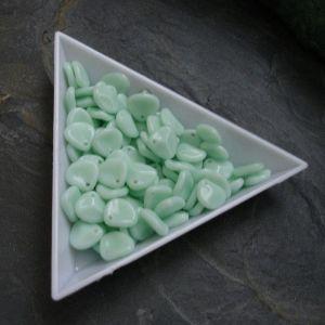 Lístky cca 8x7mm - sv. zelené