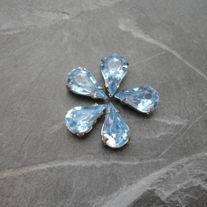 Našívací akrylové kamínky 10x6mm v kotlíku - světle modré - 1 ks