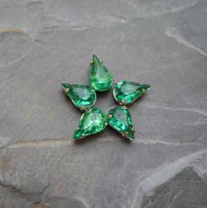 Akrylové kamínky 10x6mm v kotlíku - tm. zelené