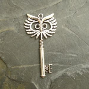 Přívěsek klíč 27,5x53,5mm - starostříbrný - 1 ks