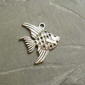 Přívěsek ryba 21x19mm - starostříbrná - 1 ks