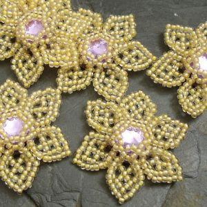 Šitá květinka cca 40mm - žlutohnědá s fialovým středem