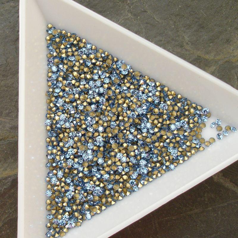 Šatony cca 1,5 - 1,6 mm - sv. modré - 50 ks