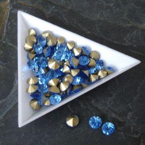 Skleněné šatony cca 3,8-3,9 mm - sv. modré - 25 ks