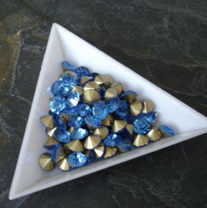 Skleněné šatony cca 6,0-6,2 mm - sv. modré - 10 ks