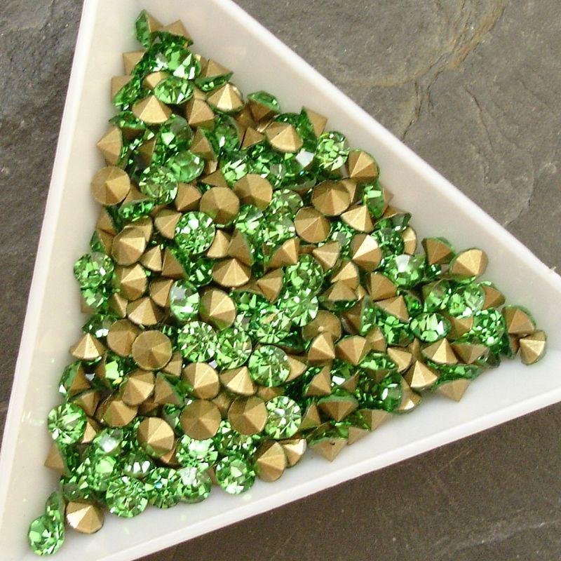Šatony cca 4,0 - 4,2 mm - sv. zelené - 25 ks