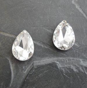 Skleněný broušený kamínek kapka 13x18mm - čirý