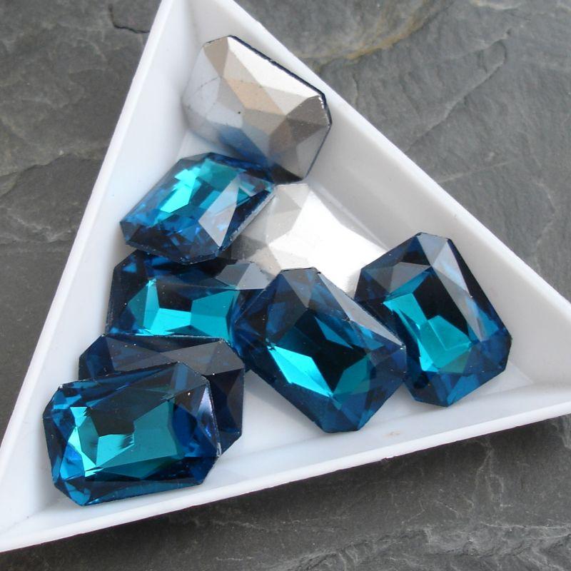 Skleněný broušený kamínek obdélník 13x18mm - modrozelený - 1 ks