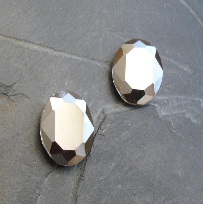 Skleněný broušený kamínek ovál 18 mm - hematitový - 1 ks