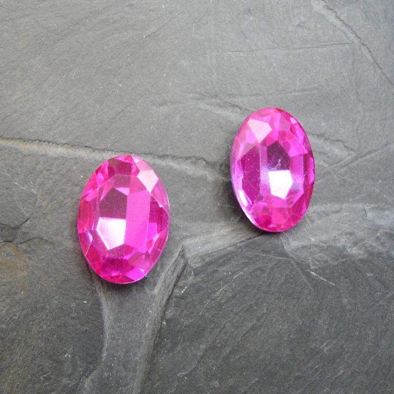 Skleněný broušený kamínek ovál 18 mm - růžový sytý