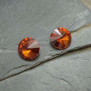 Skleněný broušený kamínek 10mm - hnědý