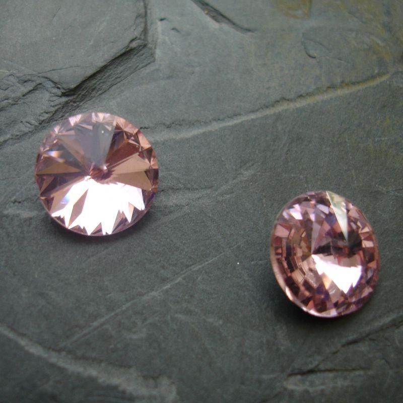 Skleněný broušený kamínek rivoli 8mm - růžový sv. - 2 ks