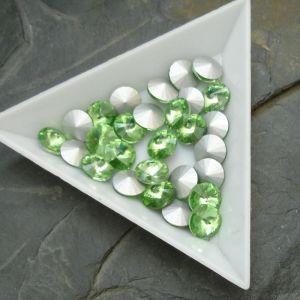Skleněný broušený kamínek rivoli 8mm - zelený sv. - 2 ks