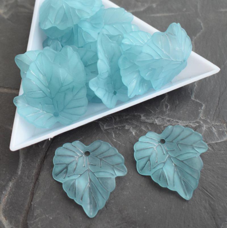 Akrylový lístek 24x22,5 mm - modrý azurový - 3 ks