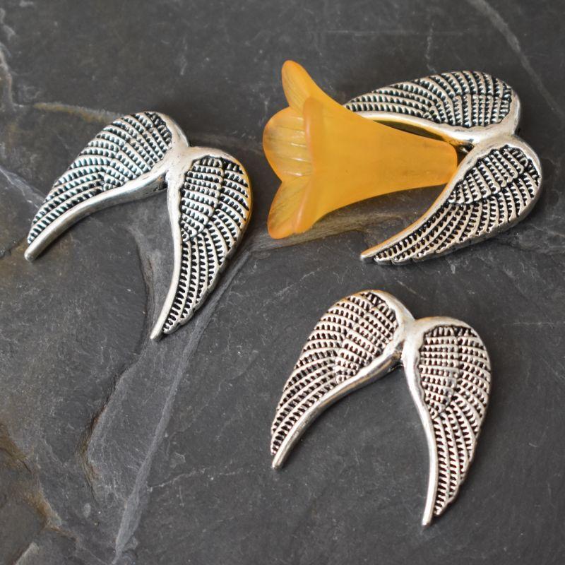 Andělská křídla 24,5x24,5x5mm - starostříbrná - 1 ks