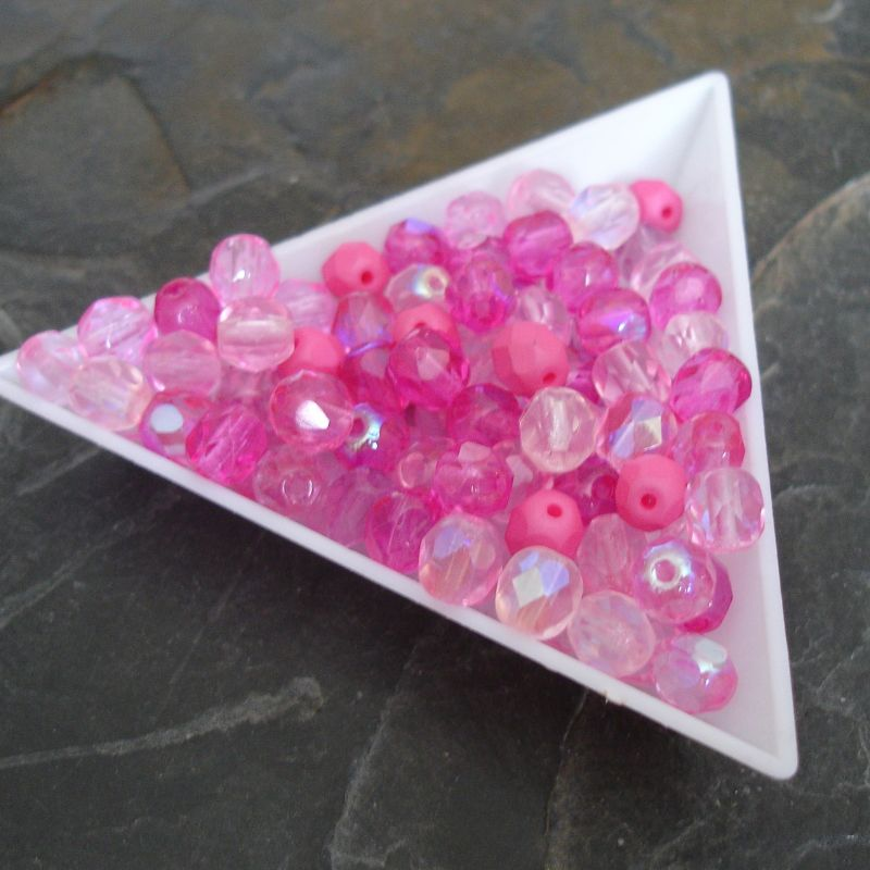 Broušené korálky 6mm - mix růžový - 20 ks