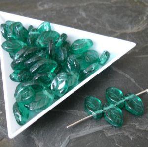 Lístky cca 12x7mm - zelené smaragdové