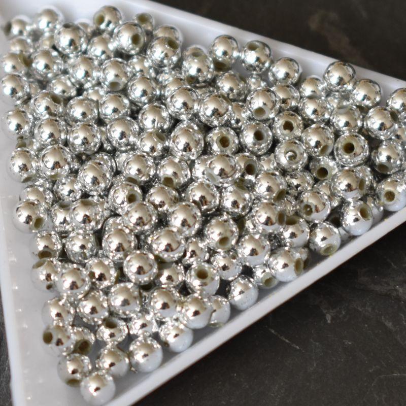 Plastové korálky 4 mm - stříbrné - 100 ks
